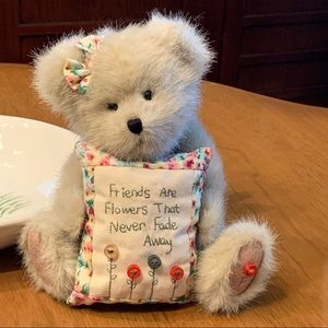 Boyds Bears - Mia Goodfriends
